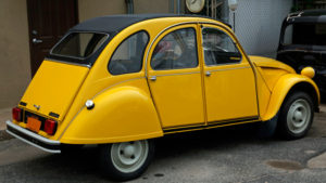 For-your-eyes-only---Citroen-2CV