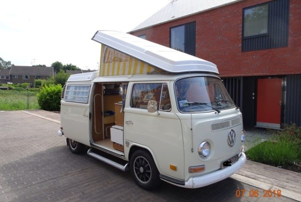 1971 VW Bay Camper