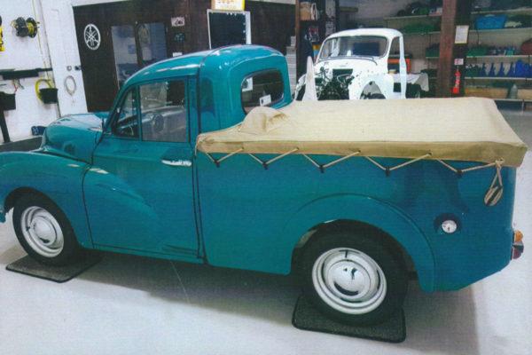 Morris-Minor-Pickup-12