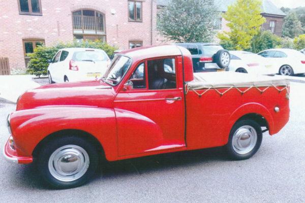 Morris-Minor-Pickup-2